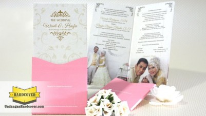Wedding Card Mewah Tema Gold
