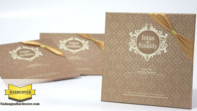Wedding Card Satu Warna Plus Pita Satin